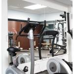 eleganckie lustra na wymiar do siłowni