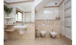 Zwykłe szlifowane lustra na wymiar nad umywalke